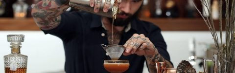 LEARN TO MIX LIKE A PRO AT OUR MIXOLOGY CLASSES FOR PRIVATE AND CORPORATE EVENTS