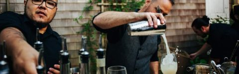 IMPRESS YOUR GUESTS WITH A PROFESSIONAL COCKTAIL BARTENDER FOR HIRE